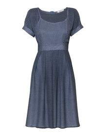 Sukienka z szyfonu w drobny wzór z szerokim dołem
