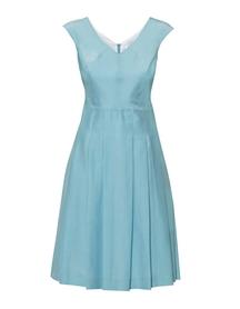 Letnia sukienka z batystu jasno turkusowego z zakładkami