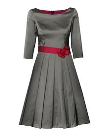 Sukienka szaro-kamienna z lekkiej tafty.