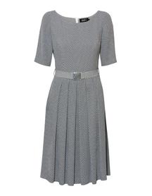 sukienka w drobny wzór z dołem w zakładki