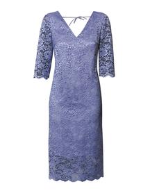 Sukienka z koronki z prześwitującym dołem