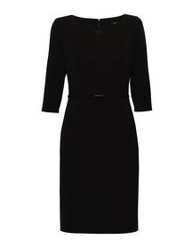 Czarna prosta sukienka z pociętą górą