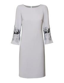 Prosta sukienka z efektownymi rękawami-  j.szara