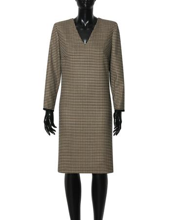 Klasyczna sukienka z pepitki camel-czarnej (6)