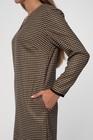 Klasyczna sukienka z pepitki camel-czarnej (2)