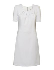 Sukienka z zakładkami w dekolcie w kolorze  jasno szarym