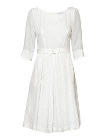 Lekka sukienka z jedwabiu w kolorze śmietankowym
