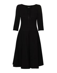 Czarna sukienka z żakardu bawełniano-wiskozowego z dekoltem V z jedwabiu