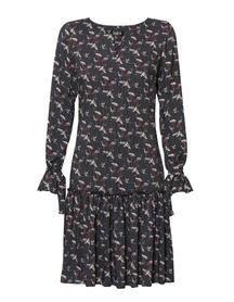 Sukienką z drukowanej wiskozy z falbanką