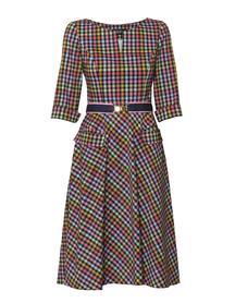Sukienka z kolorowej bawełnianej  kratki z szerokim dołem.