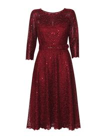 Bordowa sukienka wizytowa z szerokim dołem