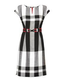 Sukienka sportowa w kolorystyce czarno- białej