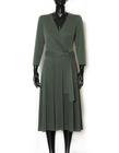 Kopertowa sukienka z modalu w kolorze zielonym (3)