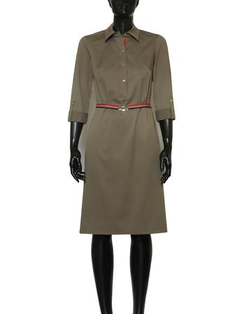 Prosta sukienka z zapięciem polo w kolorze khaki (3)