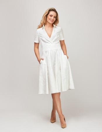 Sukienka z bawełny z listwą (1)